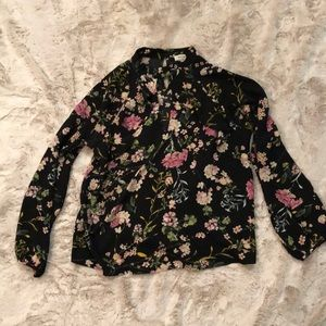 Monteau Floral blouse with ruffle accents